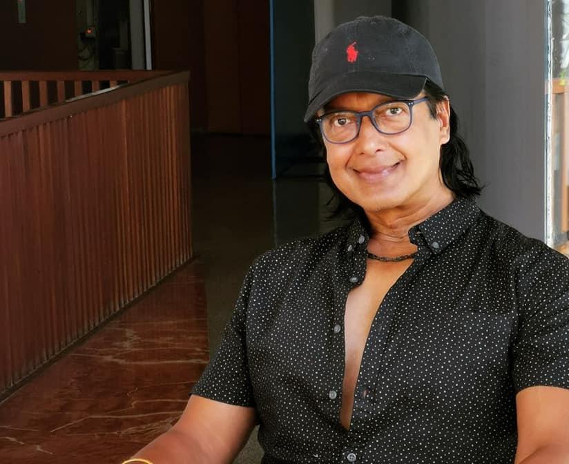 महानायक उपाधिमा राजेशको कटाक्ष, लेख्छन् :'कर्म सही गर'