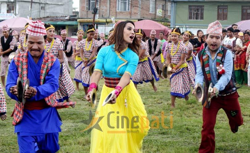 'छक्का पन्जा २'काे नयाँ गीत 'तिमी त्यो किनारमा...म याे किनारमा '
