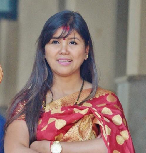 पुर्व राजा देखि मिस नेपाल सम्मको केश सजाएकी अन्नुको सघर्षको कथा
